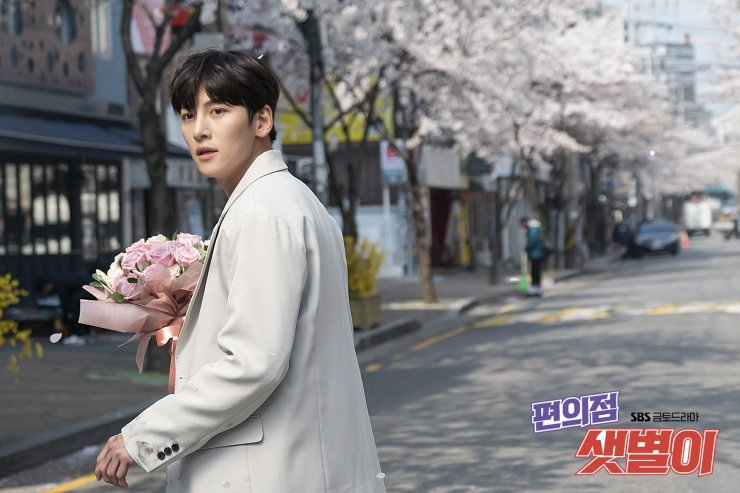 Let's talk about Ji Chang Wook and Kim Yoo Jung's k-drama Backstreet Rookie aka Convenience Store Saet Byul. Everything that's good, bad and controversial about this drama and if this drama is for you?
